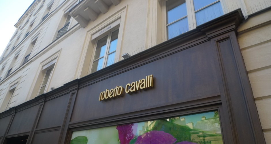 The first brand to feature sand blasted denim, Roberto Cavalli is an Italian fashion house with a long history and tradition in the luxury goods sector.